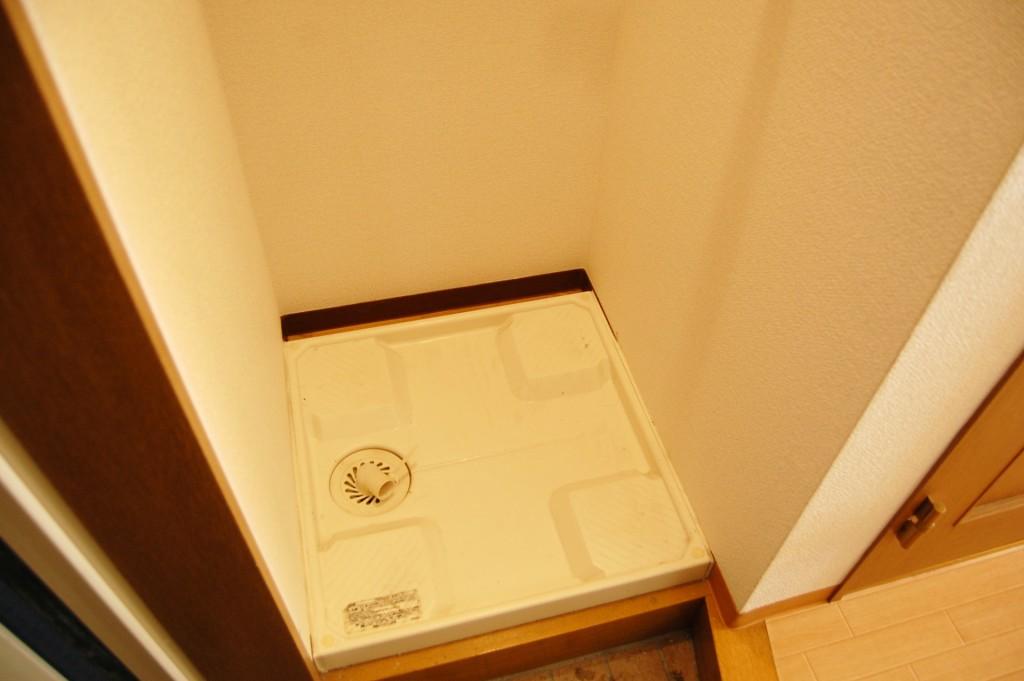 洗濯機の排水口の臭いを掃除