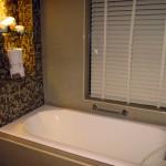 浴室のカビ取り方法と予防!天井やゴムパッキンには重曹や酢が効果的