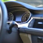 車のエアコンフィルターの臭いを交換せずに取る掃除と洗浄方法