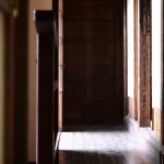 木材・木部にできたカビ取りの方法と予防!窓枠の効果的な掃除のコツ