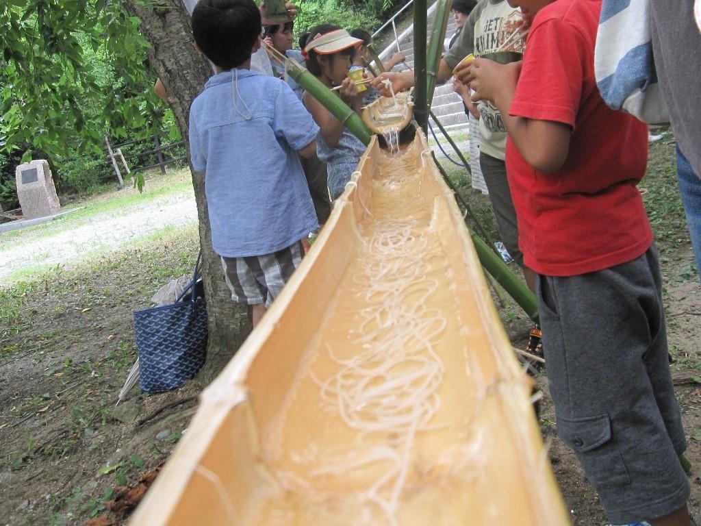 流しそうめんの竹の入手や作り方