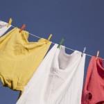 洗濯で脇汗染みの落とし方と重曹のコツ!ポリエステルや麻やシルクは?