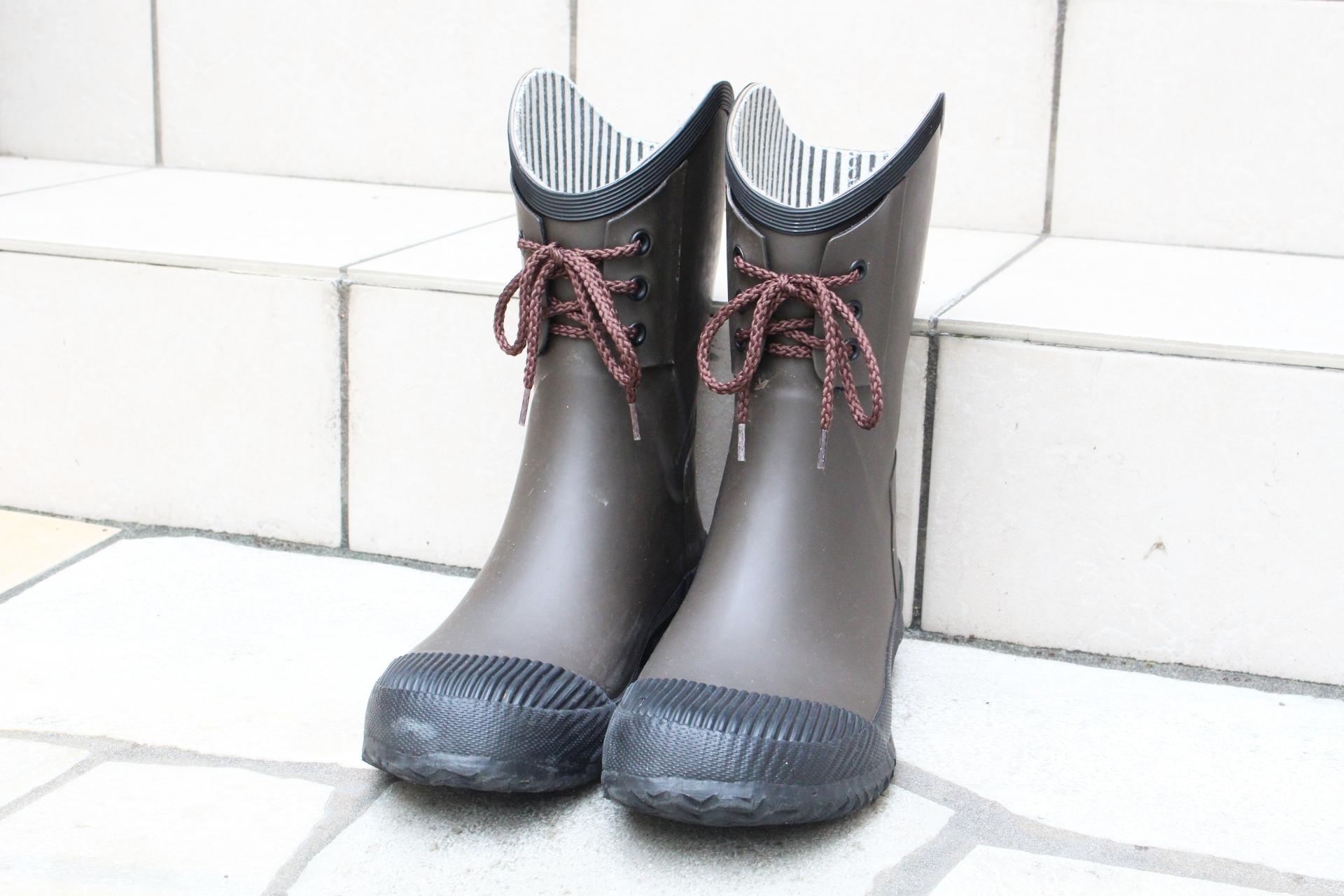 靴の臭い対策と原因!重曹での取り方やスプレーと10