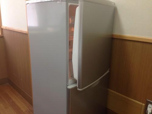 冷蔵庫の寿命と判断する症状は? 何年が目安で平均?