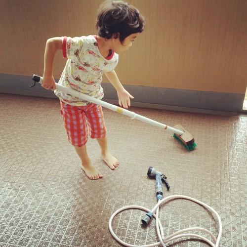 ベランダの簡単掃除方法は重曹や洗剤